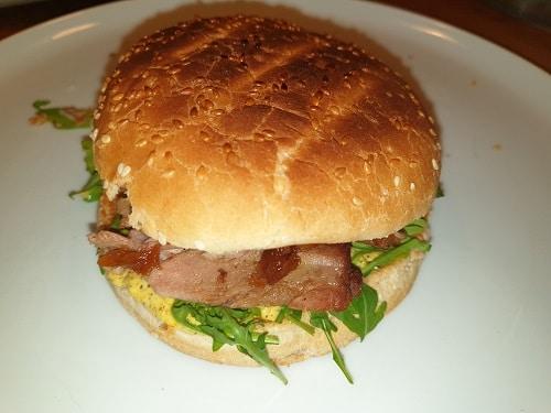 Schweinehaxen Burger